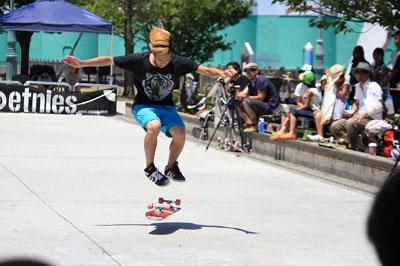 tomo koyano フリースタイル スケートボーダー